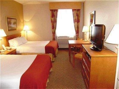 фото Holiday Inn Express Worthington 1210059101