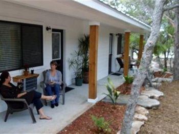 фото Lazy H Lodge 1276502665