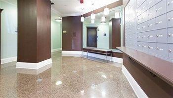 фото Luxury Downtown Studio 1328566081
