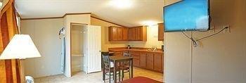 фото Eagle Inn & Suites 1329025809
