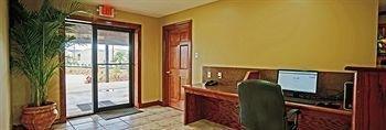 фото Eagle Inn & Suites 1333203633