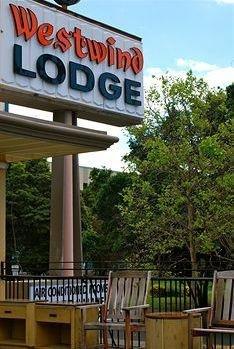 фото Westwind Lodge 1438539774