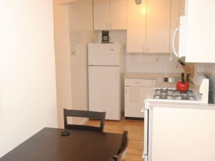 фото East Broadway Apartment 145193846