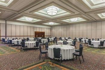 фото Sheraton Kansas City Hotel at Crown Center 146116951