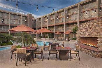 фото Sheraton Phoenix Airport Hotel Tempe 146132640