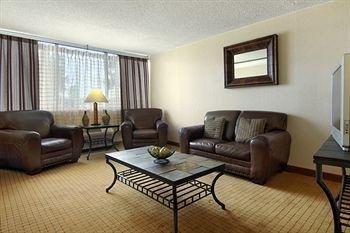 фото Red Lion Hotel Denver Central 146144155