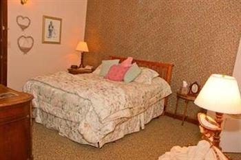 фото The Karsten Hotel 146148478