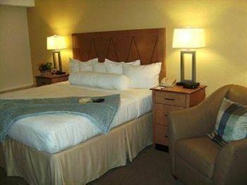 фото Holiday Inn Springfield-Holyoke 146155193