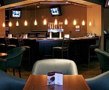 фото Four Points by Sheraton Kansas City Airport 146158112