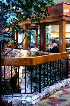 фото Holiday Inn Joplin 146167917