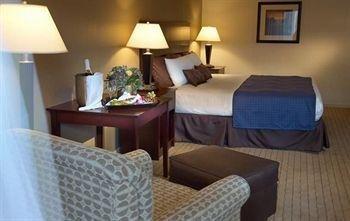 фото Nichols Village Hotel and Spa 146185837