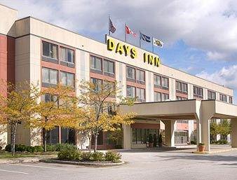 фото Days Inn Erie 146196838