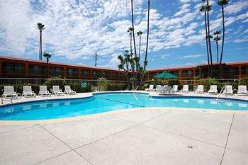 фото Vagabond Inn Costa Mesa 146204683