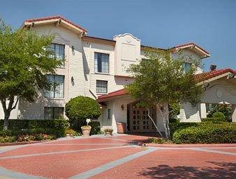 фото Baymont Inn and Suites Houston Hobby 146223352