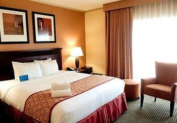 фото Fairfield Inn & Suites Cincinnati North/Sharonville 146300771