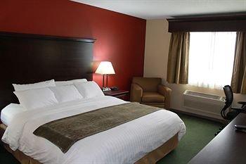 фото Crossings by GrandStay Inn & Suites 146305468
