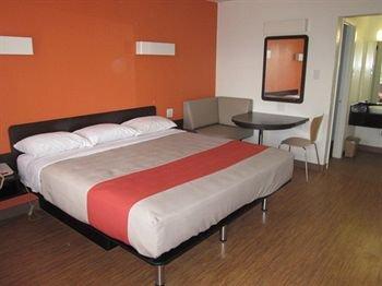 фото Motel 6 Stephenville 146314587