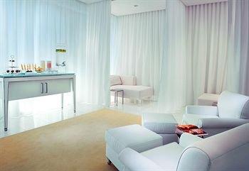 фото SLS Hotel at Beverly Hills 146340868