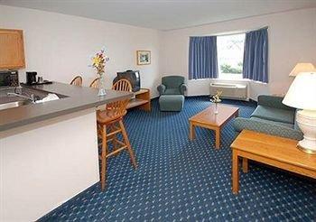 фото Econo Lodge Inn And Suites 146368281