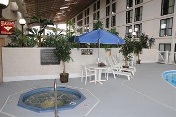 фото Holiday Inn Champaign/Urbana 146376238