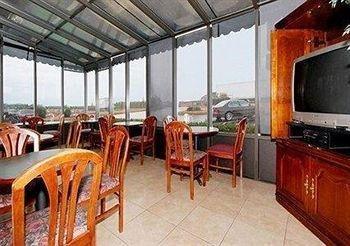 фото Baymont Inn and Suites McDonough 146390967