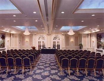фото Roslyn Claremont Hotel 146397838
