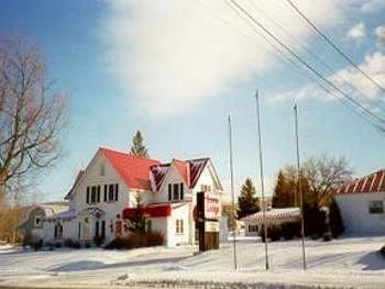 фото Econo Lodge St Albans 146401416