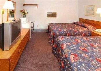 фото Econo Lodge St Albans 146401419