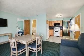 фото Days Inn & Suites Kill Devil Hills - Mariner 146405328