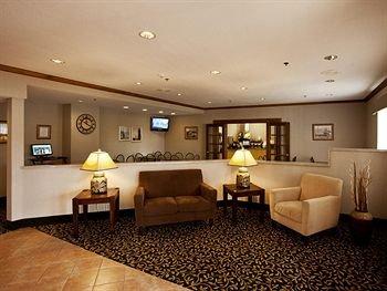фото Baymont Inn and Suites Mackinaw 146417786