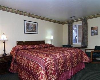 фото Econo Lodge Inn & Suites Durango 146437745