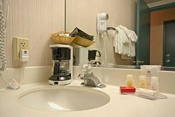 фото Pocono Inn and Resort 146463960