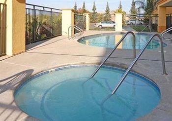 фото Comfort Suites Roseville Galleria 146504534