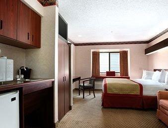фото Baymont Inn & Suites Gaylord 146513737
