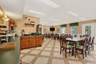 фото Baymont Inn & Suites Anderson/Clemson 146528609