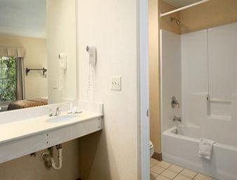 фото Baymont Inn & Suites - Jacksonville 146528756