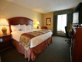 фото Baymont Inn and Suites - Hattiesburg 146531320