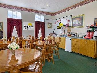 фото Days Inn Pine Mountain 146534803