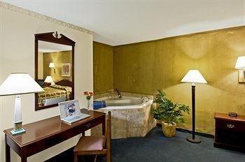 фото Americas Best Value Inn 146550739