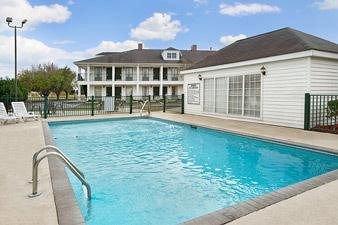 фото Baymont Inn and Suites Waycross, GA 146563370