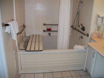 фото Camino Inn & Suites 146572256