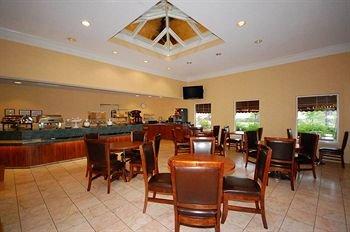 фото Comfort Suites I-240 East-Airport 146577934