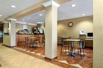 фото Regency Inn and Suites 146615781