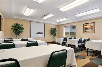 фото Regency Inn and Suites 146615784