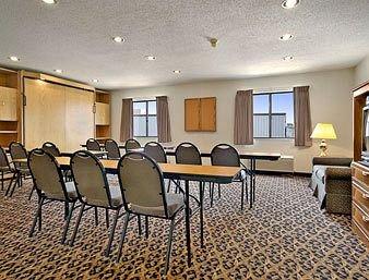 фото Baymont Inn & Suites LeMars 146627535