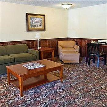 фото Magnuson Hotel St Francisville 146631686