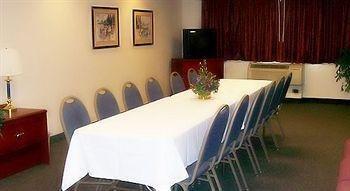 фото AmericInn Lodge & Suites Saugatuck - Douglas 146641896