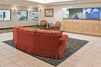 фото Holiday Inn Express Alliance 146645569