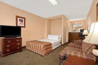 фото Baymont Inn & Suites Easley/Greenville 146648914