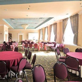 фото Meadowlands Plaza Hotel 146688919